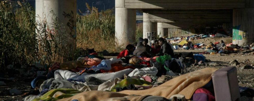 Child migrants abused by French border guards, Oxfam claims
